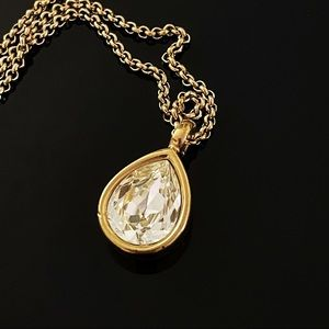 ✨Stunning VTG Givenchy Tear Rhinestone Necklace